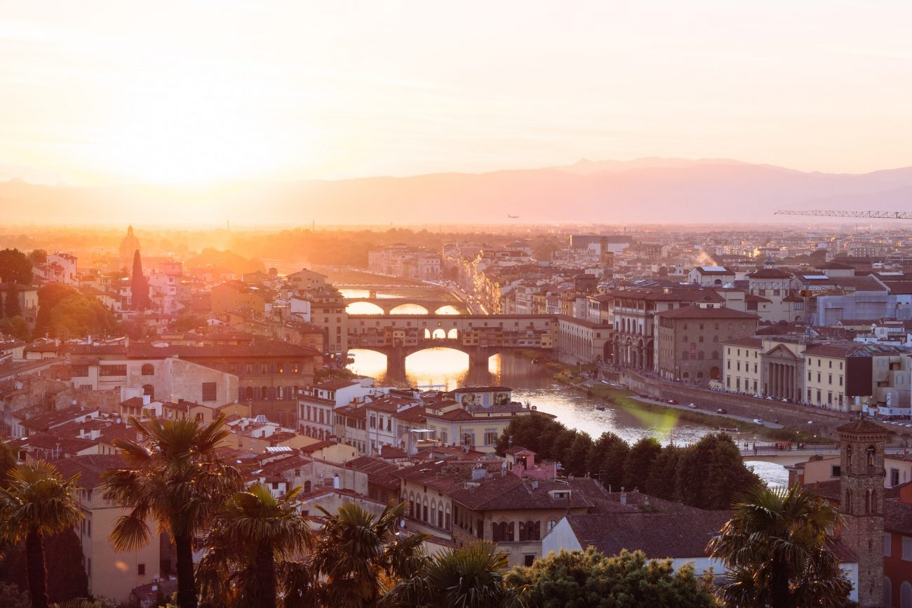 Florence at sunset - the perfect setting of style, history and beauty for your wedding party or corporate event